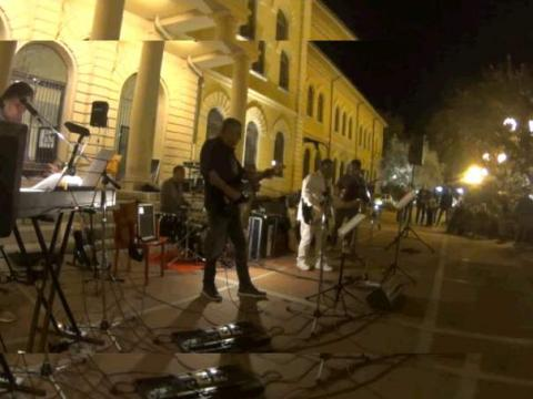 DOCTOR B SOCIAL CLUB in concerto